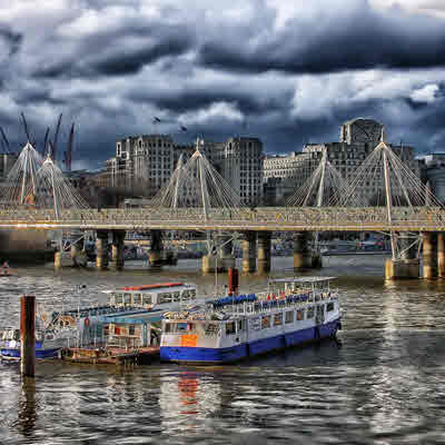 Pronunciation of Thames Clippers